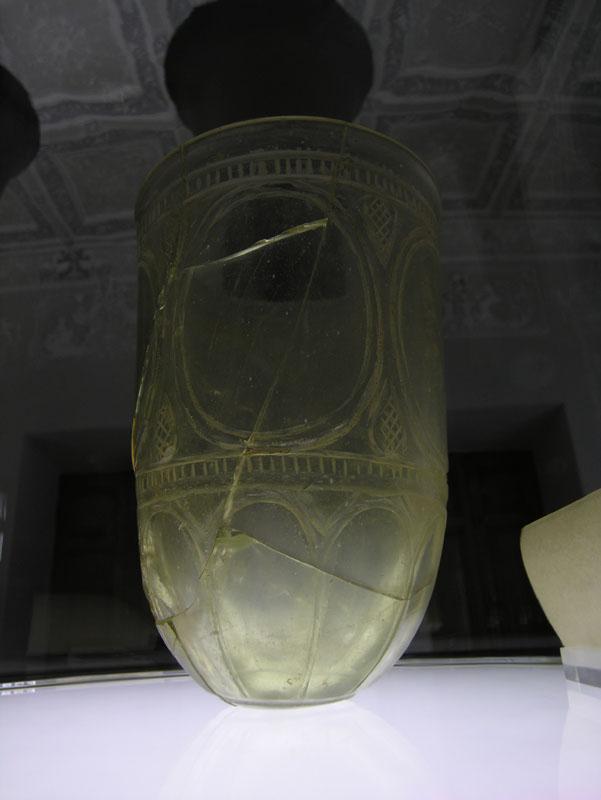 Glassware-ceramics-museum-Iran30