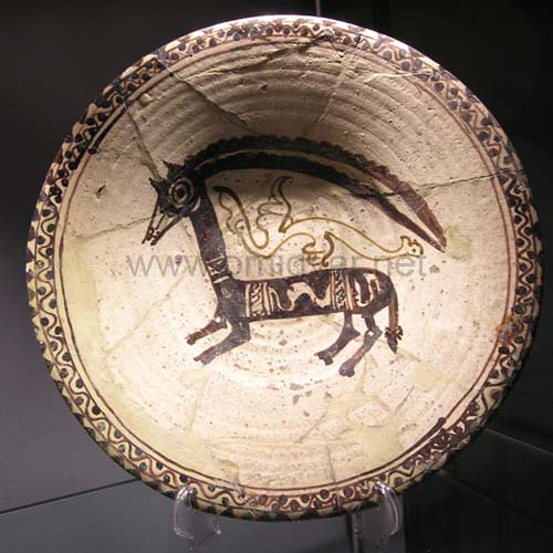 Bowl-decorated-with-pattern-goat-Nishabour-10th-century-A.D